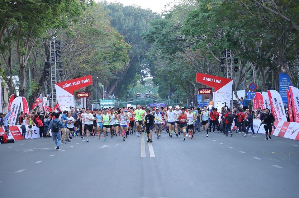 Hàng chục nghìn vận động viên chinh phục cung đường xanh tại giải Marathon quốc tế Thành phố Hồ Chí Minh Techcombank 2019 - Ảnh 2