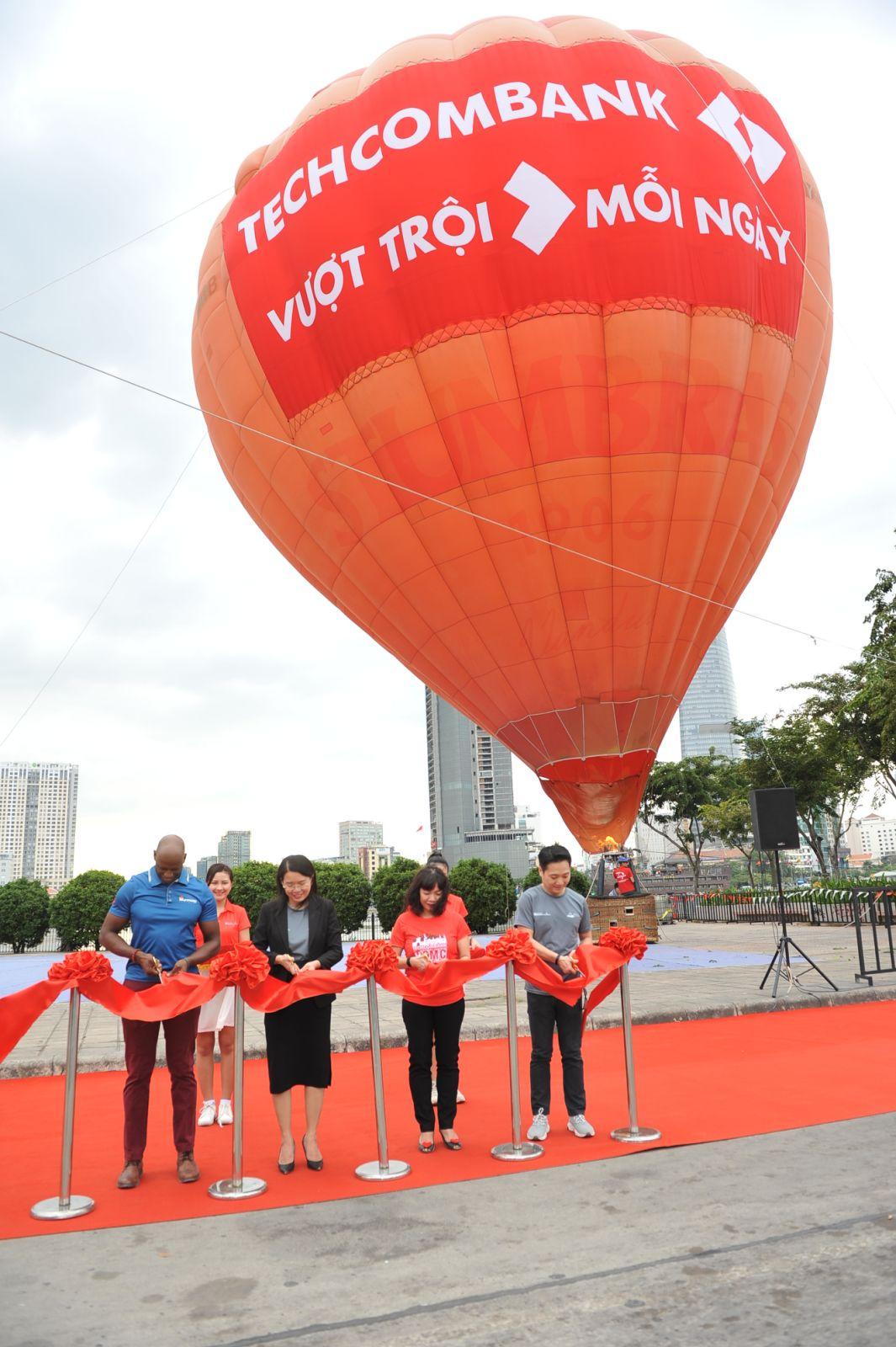Hàng chục nghìn vận động viên chinh phục cung đường xanh tại giải Marathon quốc tế Thành phố Hồ Chí Minh Techcombank 2019 - Ảnh 3