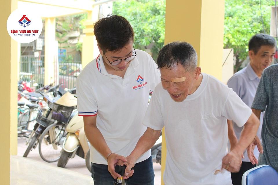 Bệnh viện đa khoa An Việt khám, cấp thuốc miễn phí tại phường Phương Liệt  - Ảnh 2