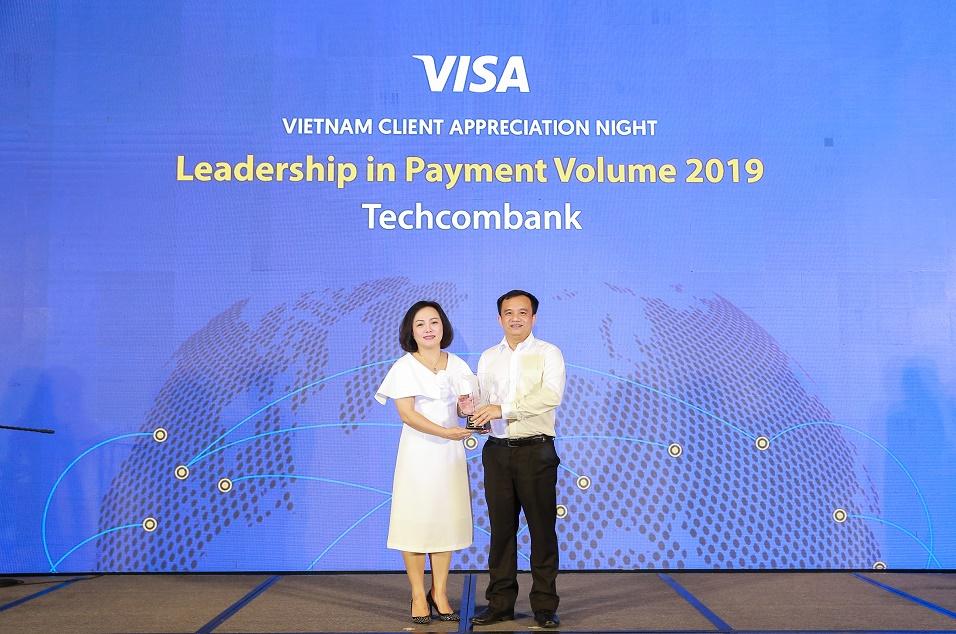 Techcombank đứng đầu toàn thị trường về doanh số thanh toán qua thẻ Visa  - Ảnh 1