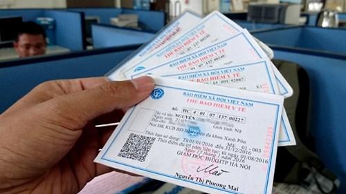Người dân có thể yêu cầu cấp lại thẻ BHYT do mất, hỏng qua mạng internet  - Ảnh 1