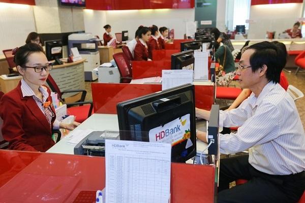 Gửi tiết kiệm tại HDBank, tuổi càng cao, ưu đãi càng nhiều - Ảnh 2