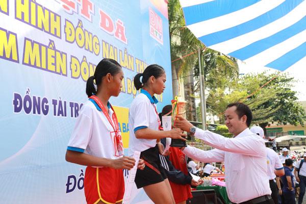 Hơn 2.000 người tham dự Giải Việt dã truyền hình Đồng Nai lần thứ 25 do Number 1 Active Chanh Muối tài trợ - Ảnh 4