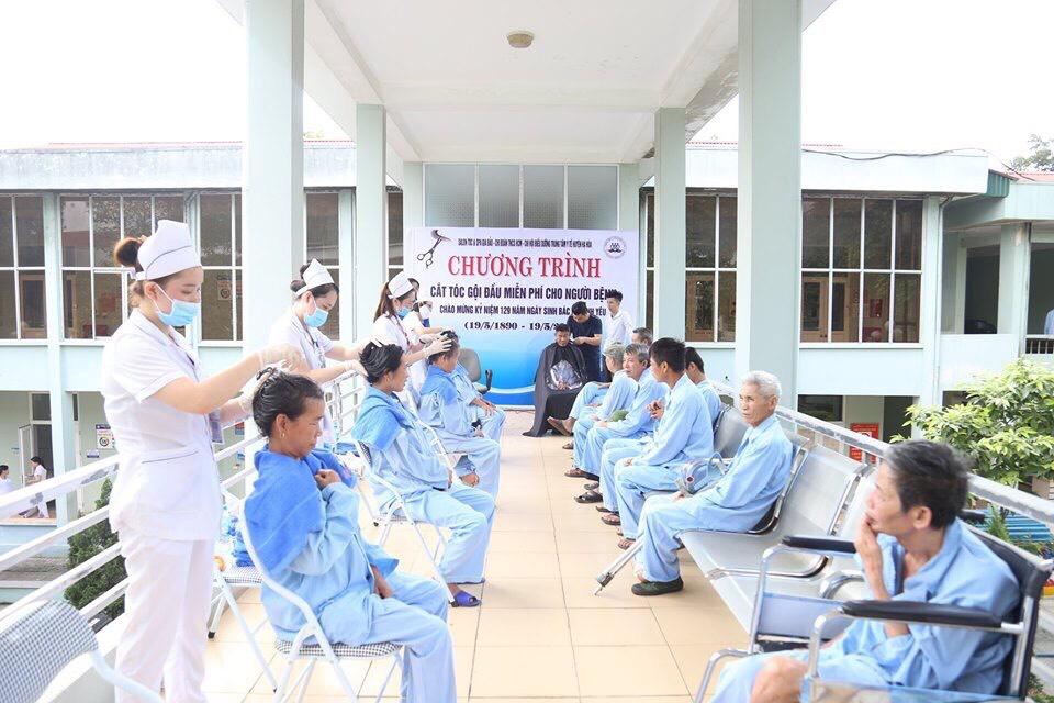 Trung tâm Y tế huyện Hạ Hòa: Xứng đáng lá cờ đi đầu trong công tác y tế tuyến huyện - Ảnh 3