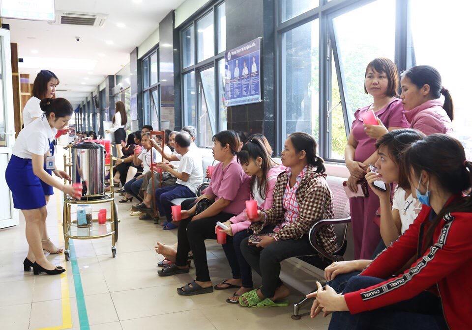 Trung tâm Y tế huyện Hạ Hòa: Xứng đáng lá cờ đi đầu trong công tác y tế tuyến huyện - Ảnh 4