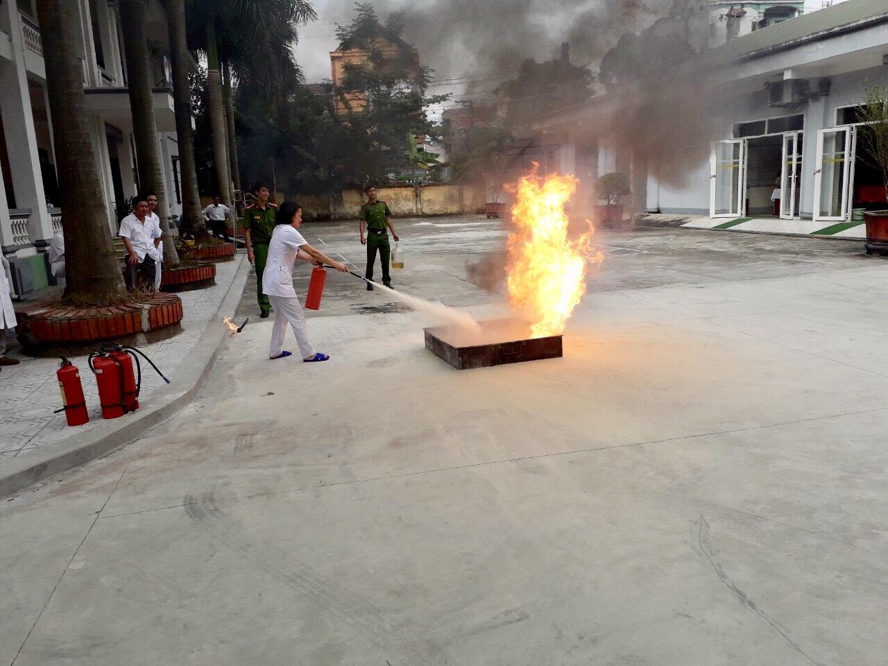 Bệnh viện Lao và Bệnh Phổi tỉnh Phú Thọ: Đảm bảo an toàn và chấp hành nghiêm chỉnh luật phòng cháy, chữa cháy - Ảnh 4