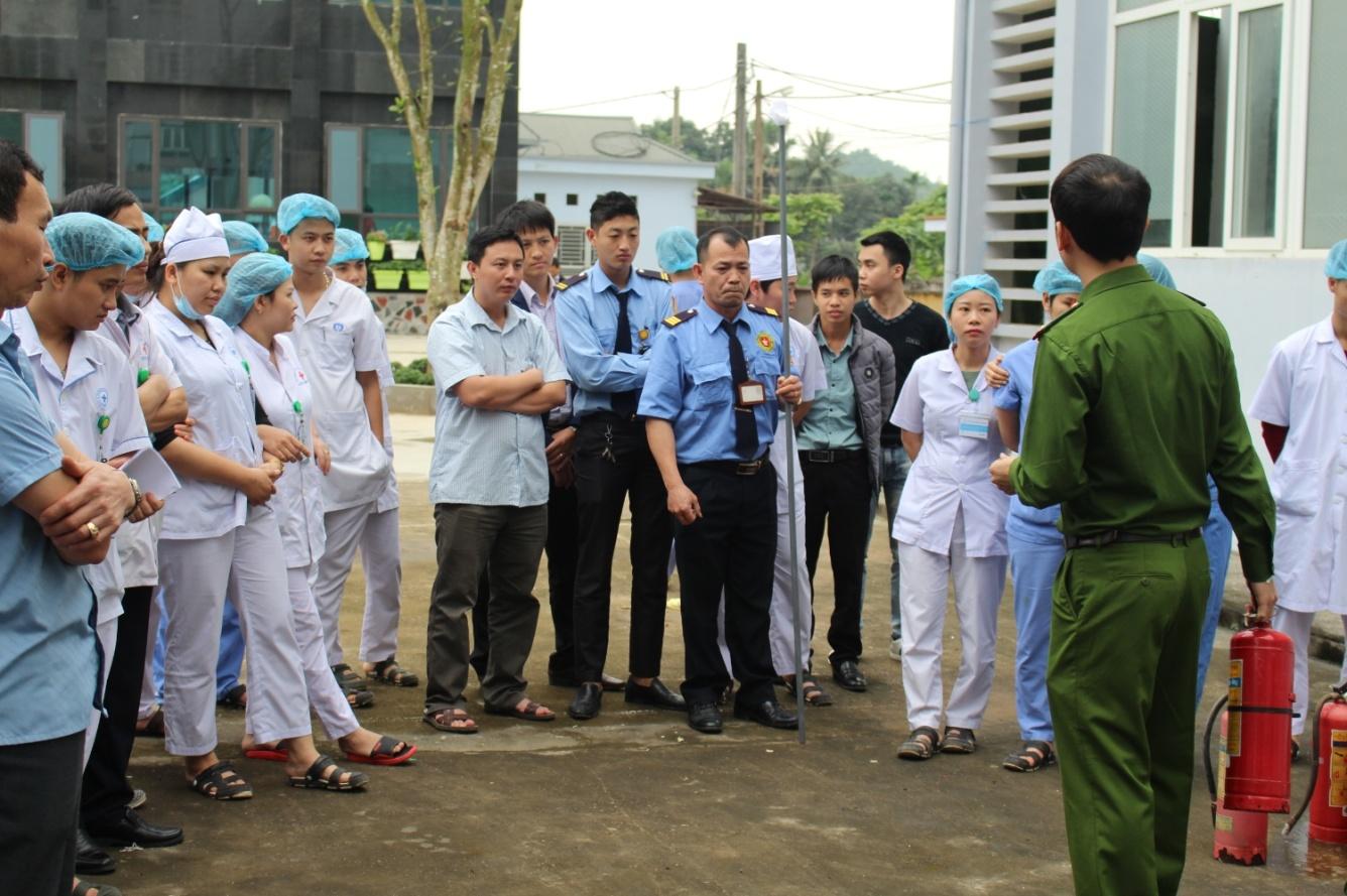 Trung tâm Y tế huyện Thanh Ba tập huấn nghiệp vụ công tác phòng cháy chữa cháy năm 2019 - Ảnh 2