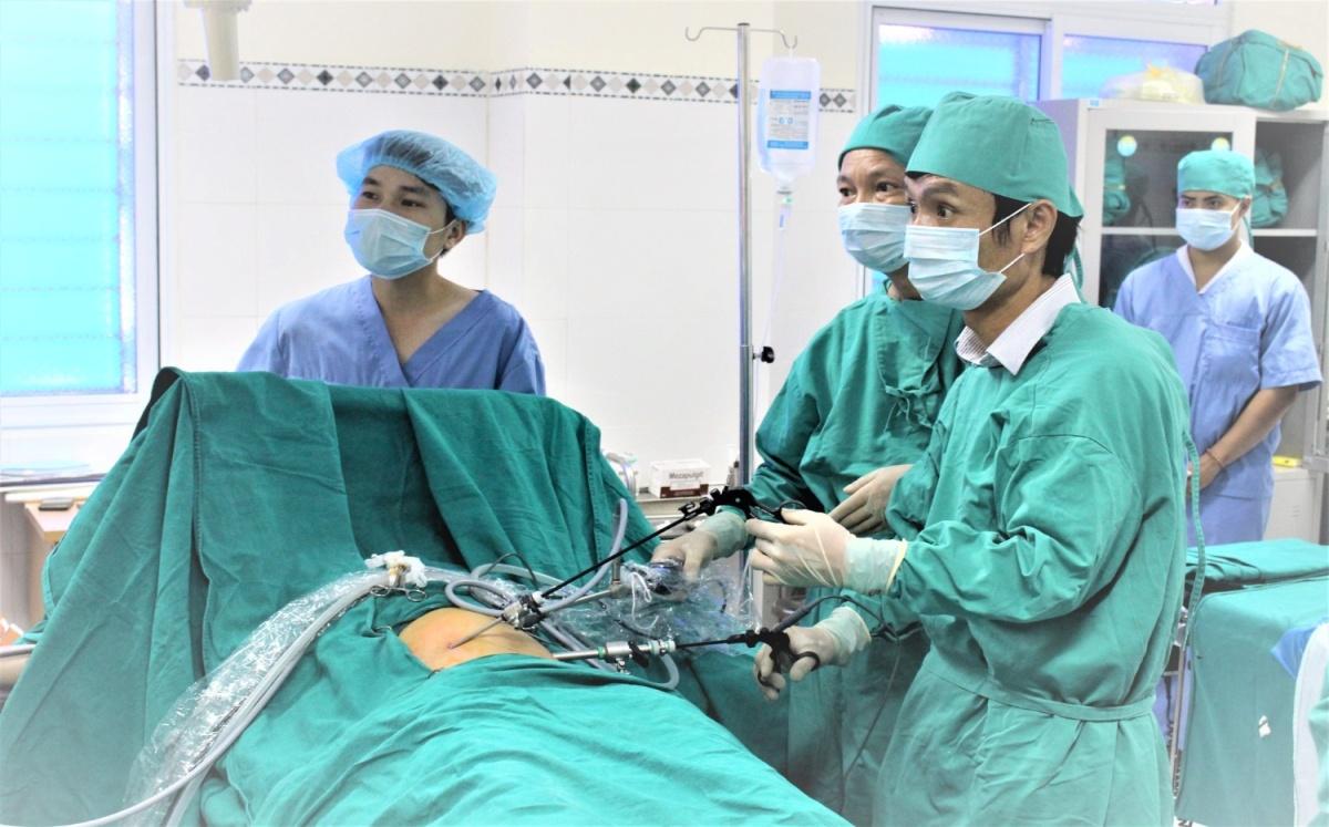 Trung tâm Y tế huyện Đoan Hùng tiếp tục triển khai nhiều kĩ thuật chuyên sâu vào công tác khám chữa bệnh - Ảnh 4