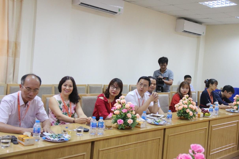 ĐH Đại Nam cấp 500 triệu đồng học bổng Khuyến tài cho SV xã Đông Tiến – Yên phong - Bắc Ninh - Ảnh 3