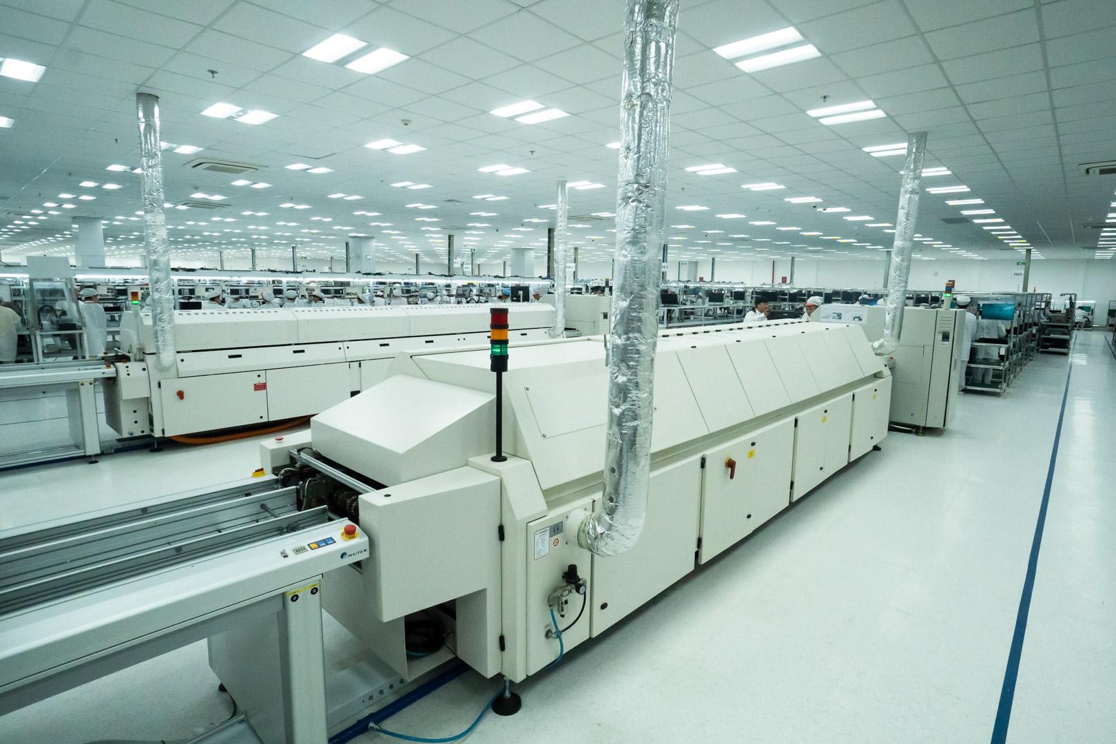 Vingroup khởi công nhà máy điện thoại thông minh công suất 125 triệu máy/năm - Ảnh 2