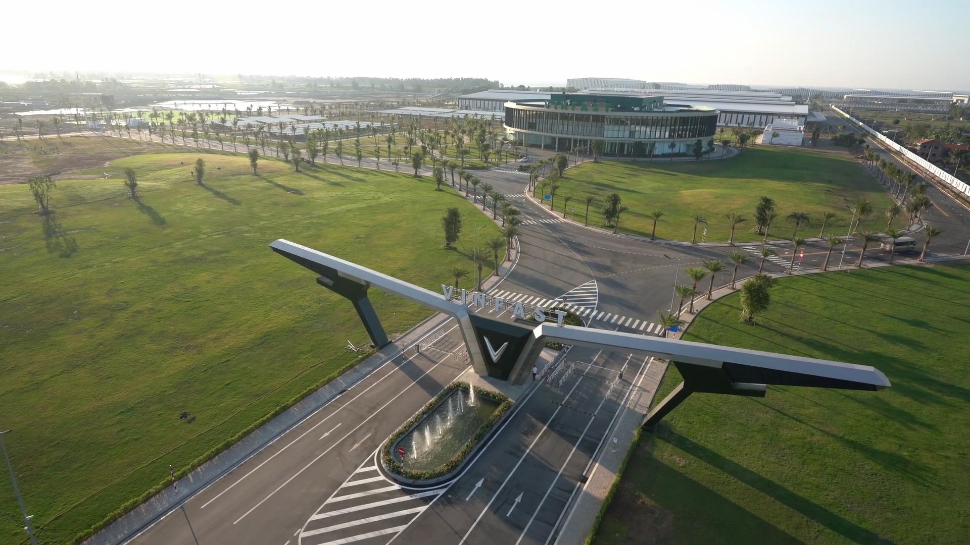 VinFast khánh thành nhà máy sản xuất ô tô, xác lập 3 kỳ tích  - Ảnh 1