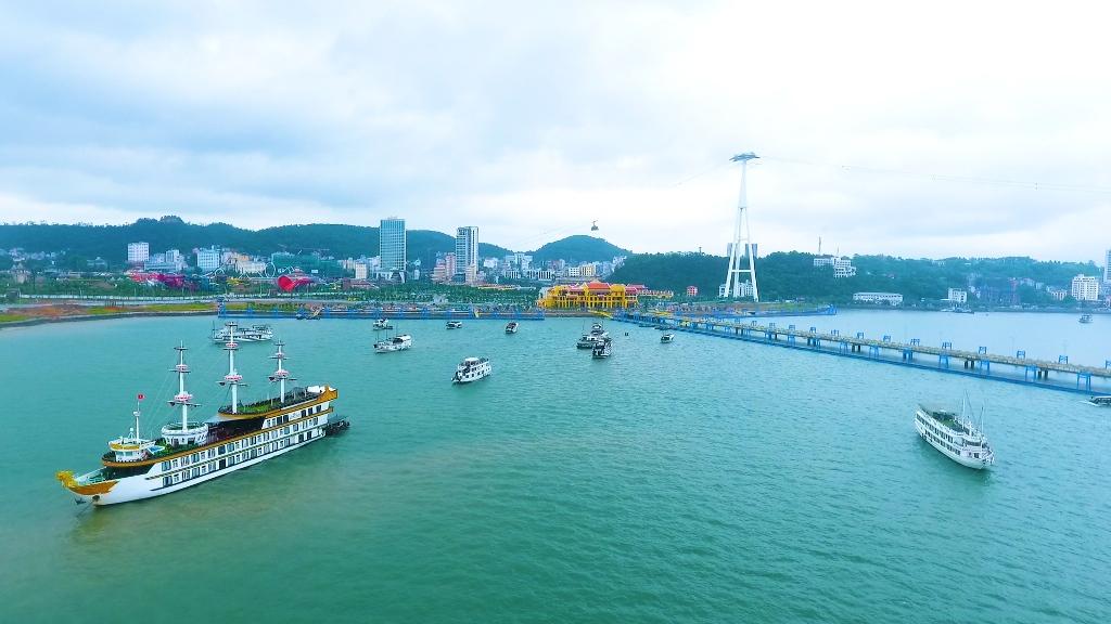 Dàn siêu xe trăm tỷ hội tụ tại Cảng tàu khách quốc tế Hạ Long  - Ảnh 9