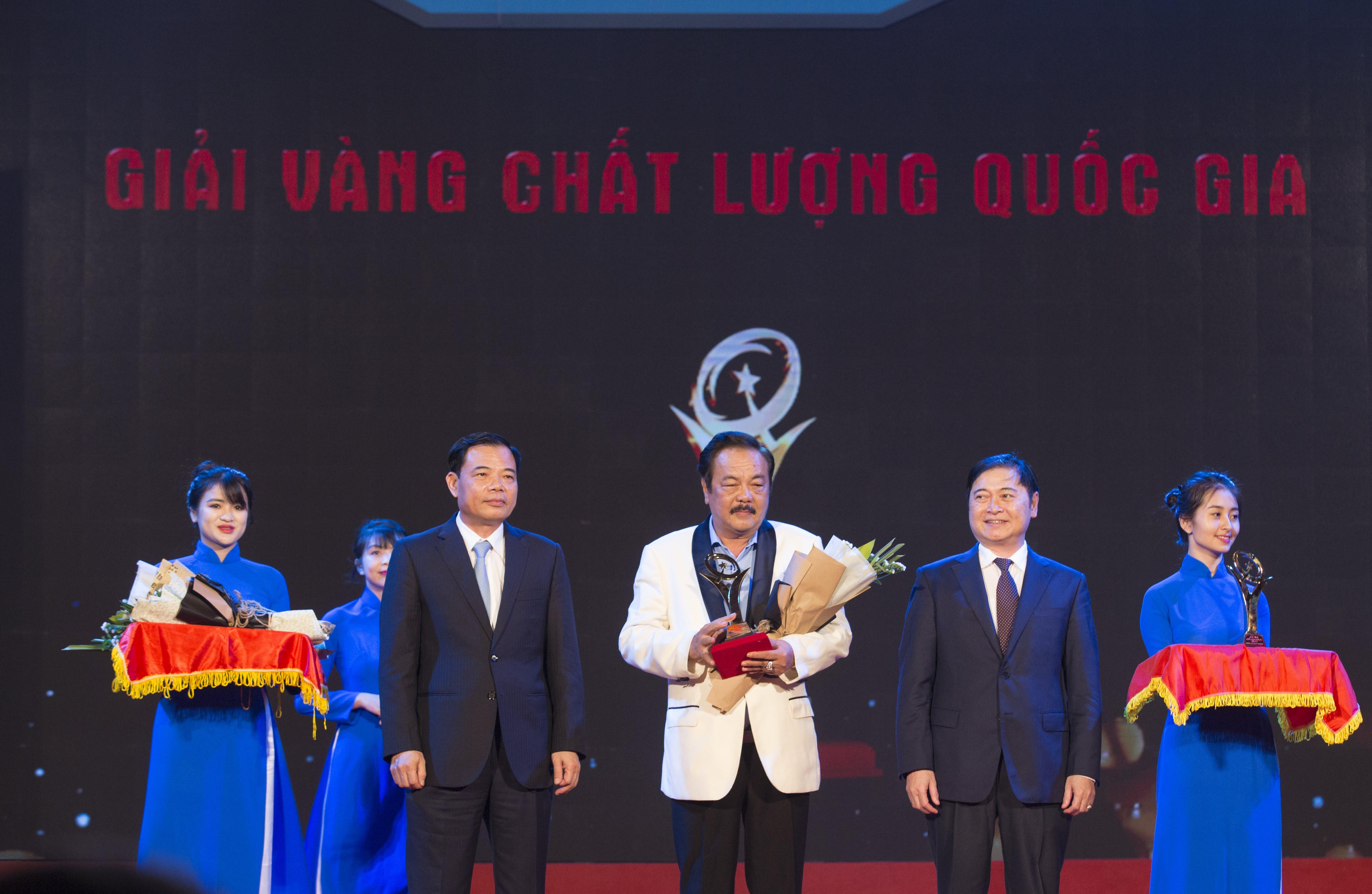 """CEO Trần Quí Thanh: """"Giải Vàng Chất lượng quốc gia khẳng định doanh nghiệp sản xuất, kinh doanh sản phẩm, dịch vụ đẳng cấp thế giới""""  - Ảnh 1"""