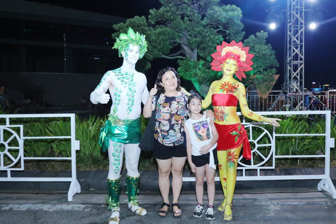 Carnival đường phố Đà Nẵng tối 23/6: đại tiệc của những vũ điệu  - Ảnh 6