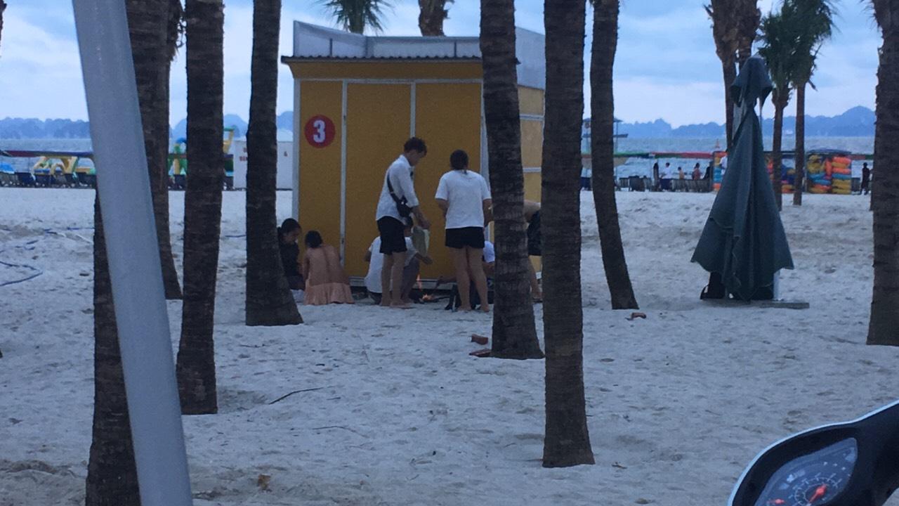 Bãi biển Bãi Cháy hứng 6 tấn rác từ du khách mỗi ngày - Ảnh 5
