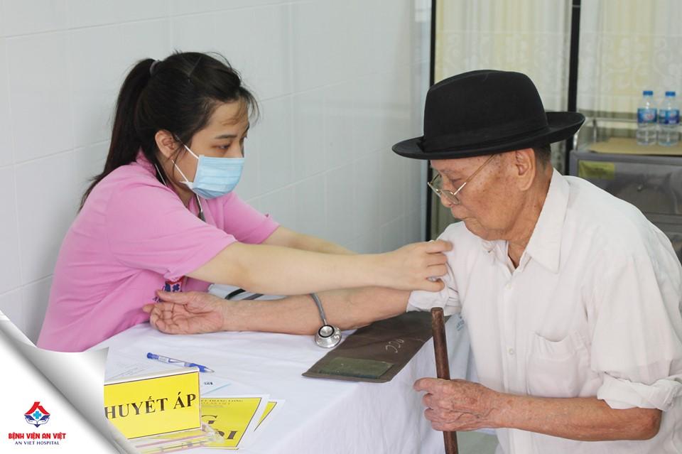 Bệnh viện An Việt khám tri ân đối tượng chính sách huyện Gia Lâm - Hà Nội  - Ảnh 4