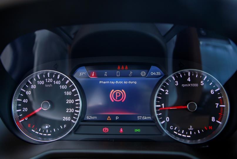 Cận cảnh VinFast Lux SA2.0 - xe SUV hạng sang của người Việt mới xuất xưởng  - Ảnh 10