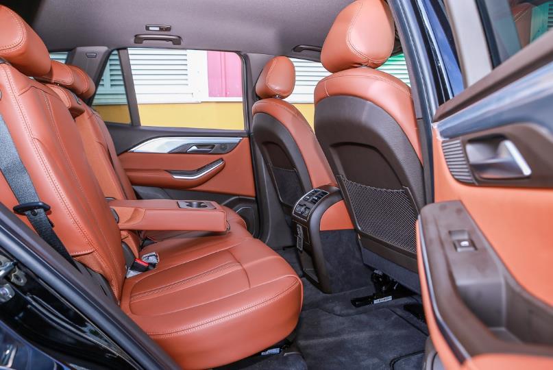 Cận cảnh VinFast Lux SA2.0 - xe SUV hạng sang của người Việt mới xuất xưởng  - Ảnh 12