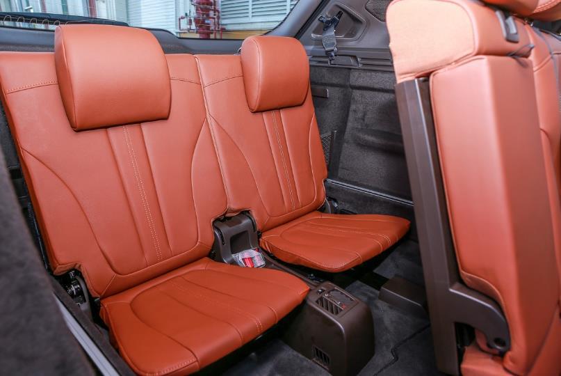 Cận cảnh VinFast Lux SA2.0 - xe SUV hạng sang của người Việt mới xuất xưởng  - Ảnh 14