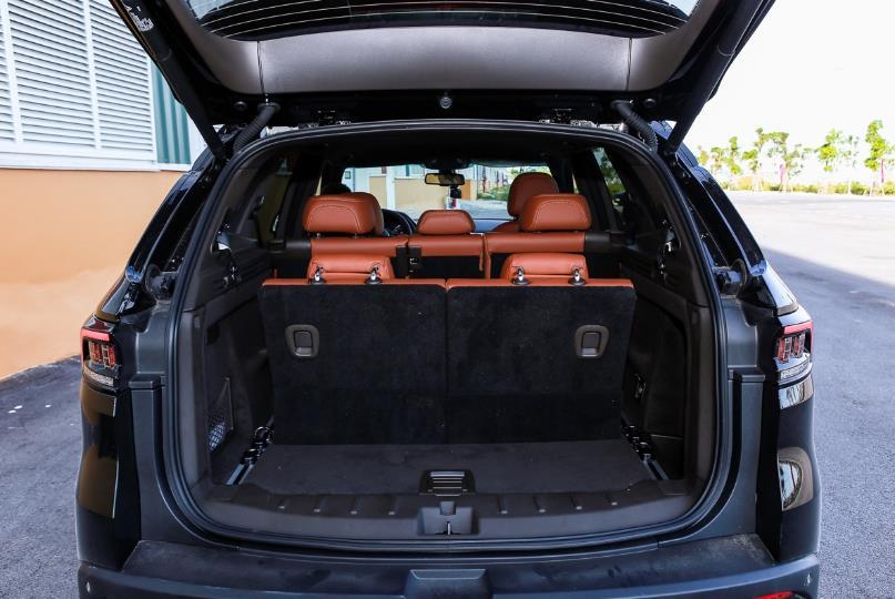 Cận cảnh VinFast Lux SA2.0 - xe SUV hạng sang của người Việt mới xuất xưởng  - Ảnh 16