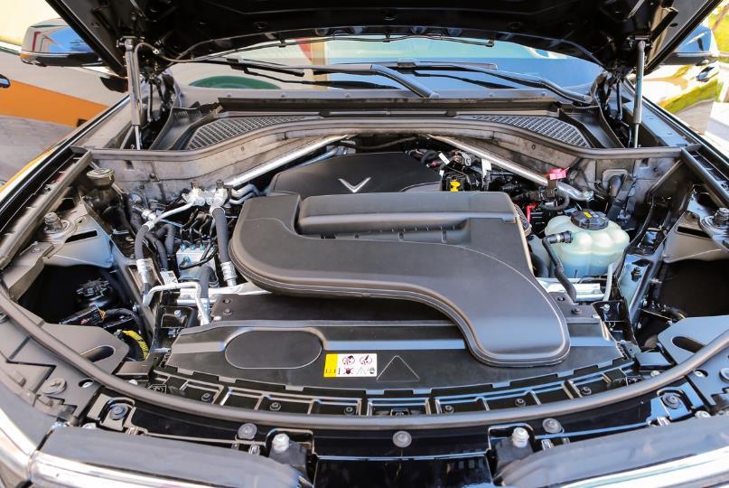 Cận cảnh VinFast Lux SA2.0 - xe SUV hạng sang của người Việt mới xuất xưởng  - Ảnh 18
