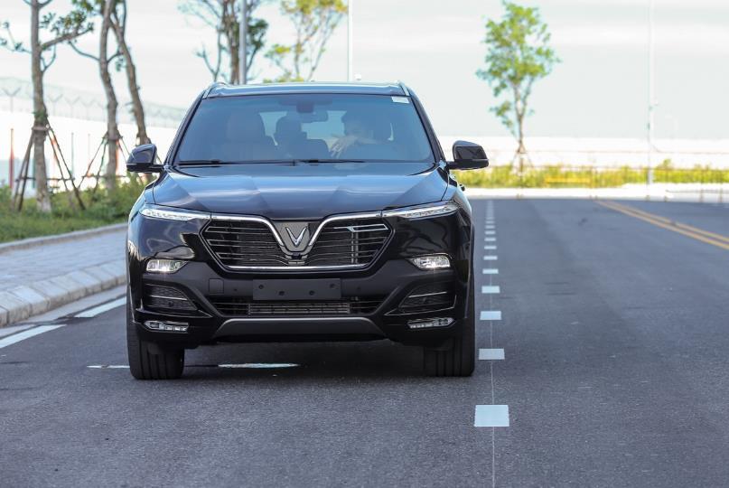 Cận cảnh VinFast Lux SA2.0 - xe SUV hạng sang của người Việt mới xuất xưởng  - Ảnh 2