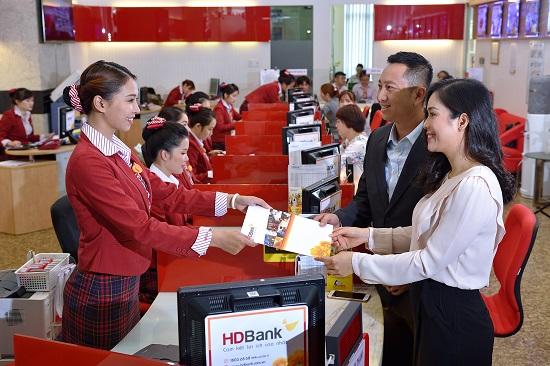 HDBank báo lãi 2.211 tỷ đồng, nợ xấu ngân hàng dưới 1%  - Ảnh 2