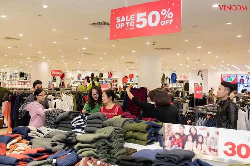 Hơn 800 thương hiệu khuyến mại đặc biệt trong mùa lễ hội Red Sale Carnival 2019  - Ảnh 1