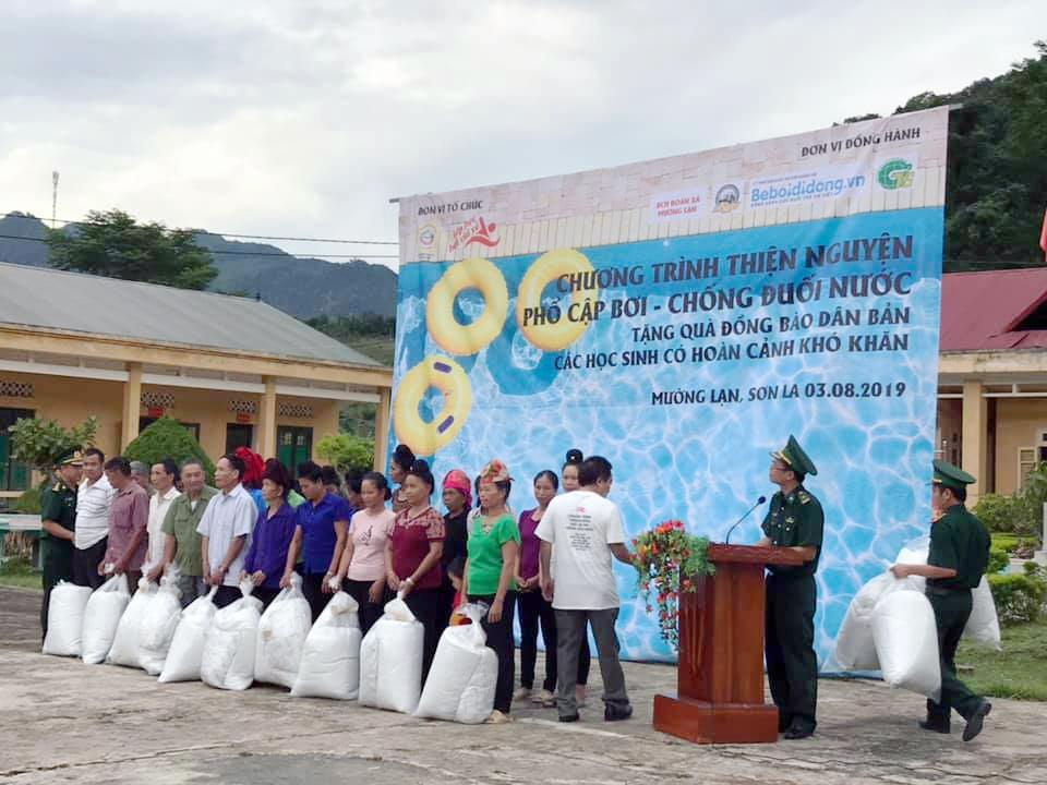 Chương trình thiện nguyện phổ cập bơi cho trẻ em vùng cao biên giới - Ảnh 4