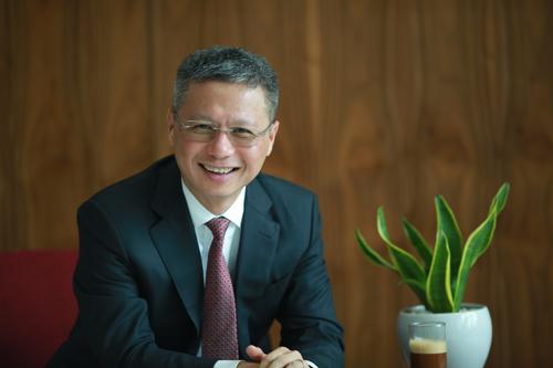 CEO Techcombank: Thay đổi cách người Việt quản lý và sử dụng tiền để cải thiện đời sống  - Ảnh 1