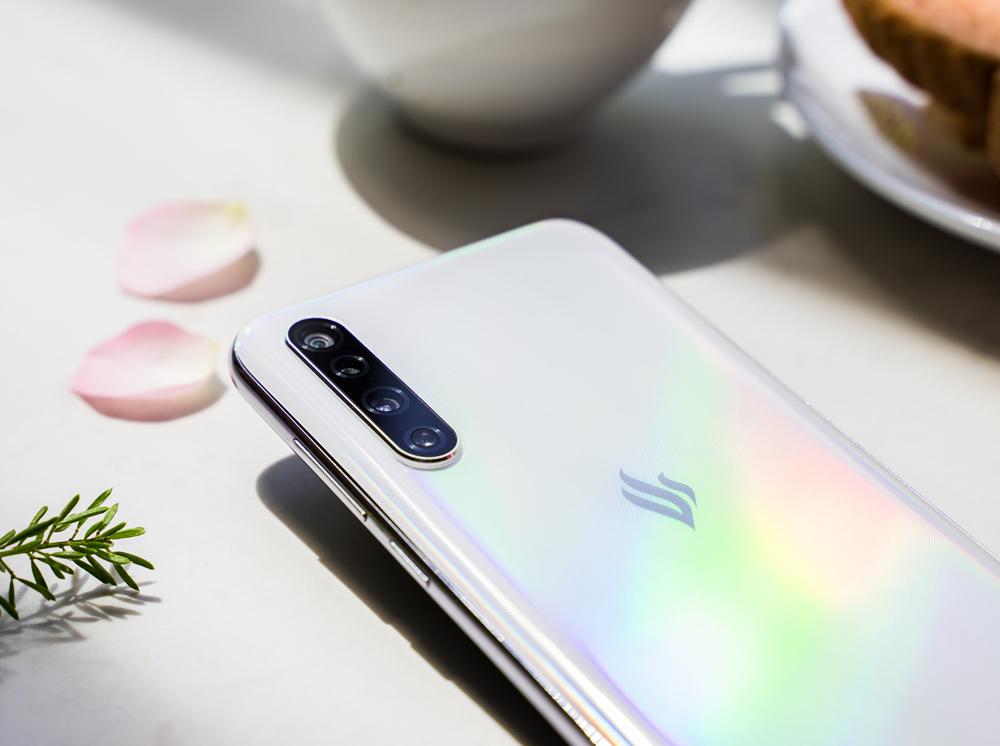 Vingroup công bố dòng điện thoại Vsmart thế hệ 2  - Ảnh 7