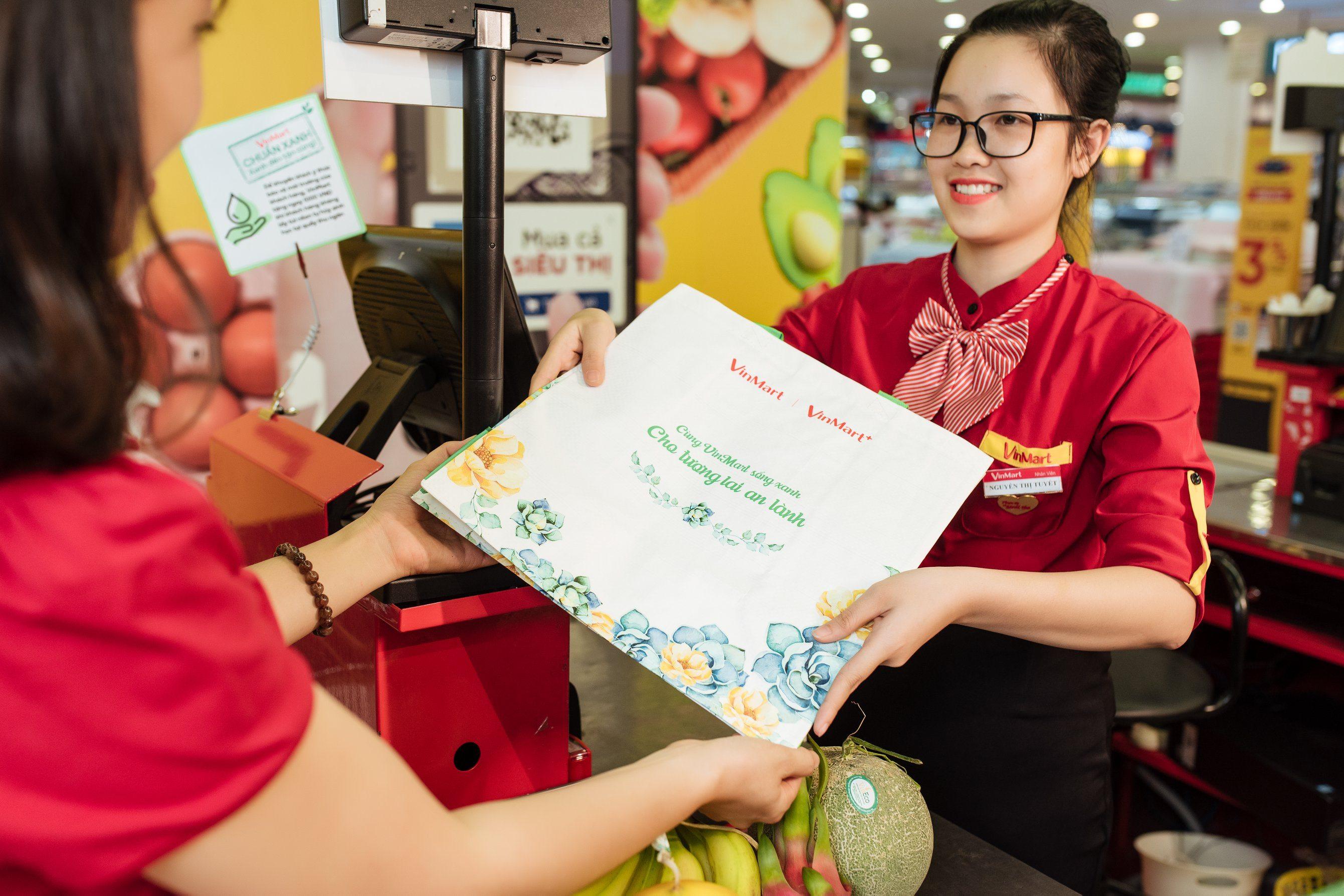 """2.200 siêu thị VinMart & VinMart+ đồng loạt hành động """"3 xanh"""" bảo vệ môi trường  - Ảnh 1"""