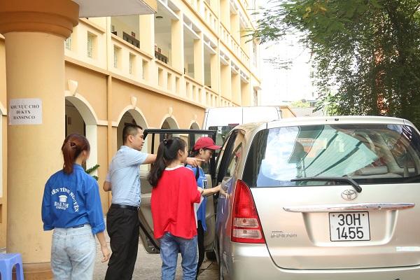 Hàng ngàn tân SV làm thủ tục nhập học đợt 1 tại Trường ĐH Đại Nam - Ảnh 6