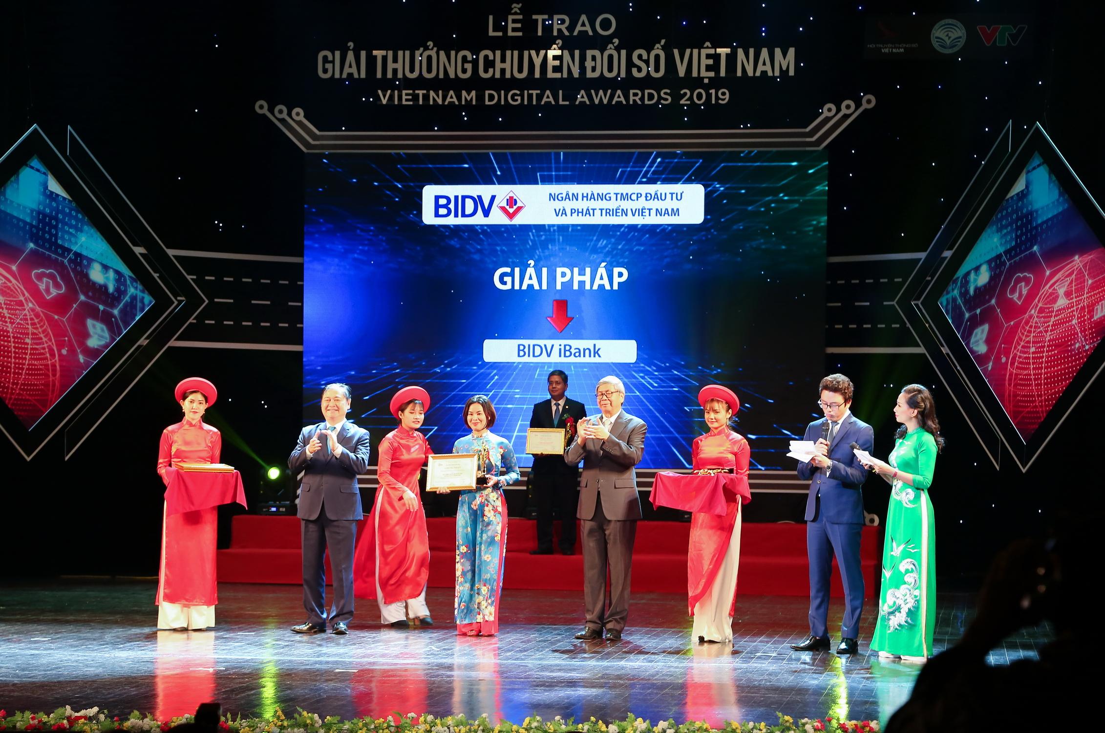 BIDV - doanh nghiệp chuyển đổi số xuất sắc  - Ảnh 1