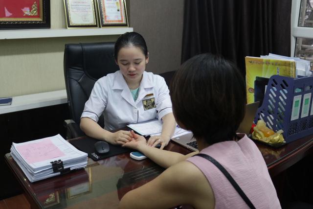 Bác sĩ Ngô Thị Hằng chữa bệnh phụ khoa tại nhà thuốc Đỗ Minh Đường  - Ảnh 2