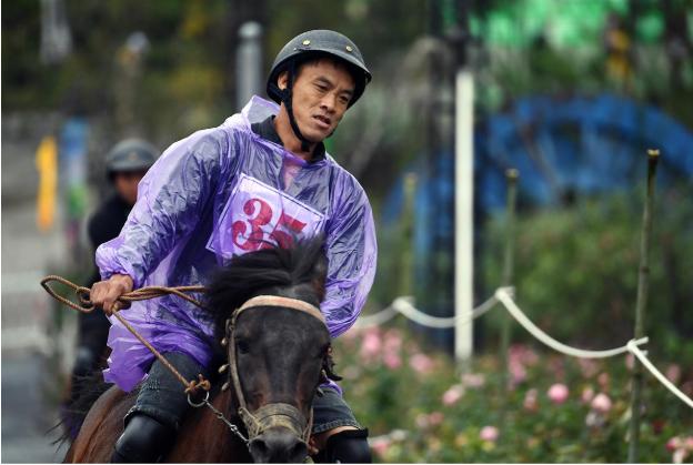 Chất Tây Bắc sống động khiến du khách thích thú với Giải đua ngựa tại Fansipan  - Ảnh 6
