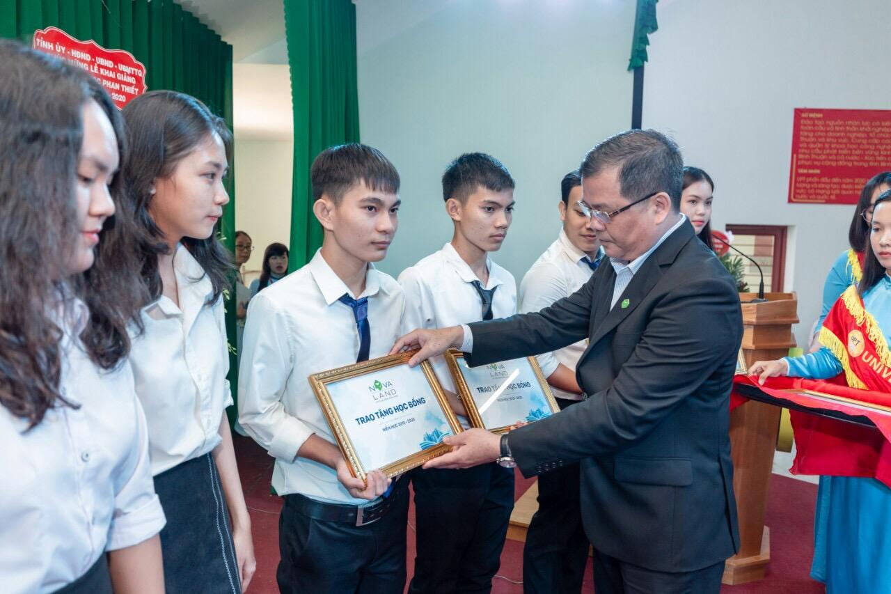 Thực hiện trách nhiệm xã hội tại Bình Thuận, Novaland tiếp tục song hành cùng Giáo dục & Đào tạo - Ảnh 2