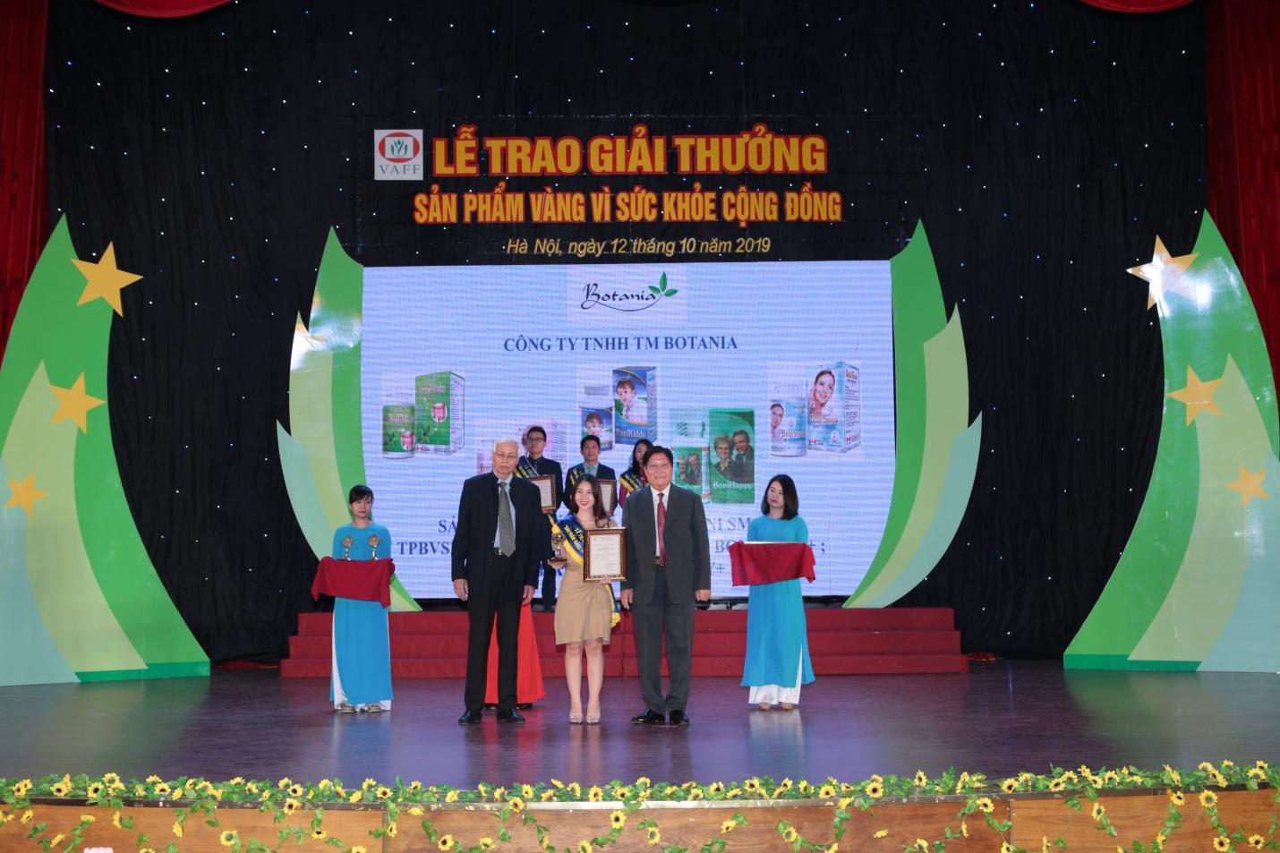 """Công ty Botania lần thứ 4 nhận giải thưởng """"Sản phẩm vàng vì sức khỏe cộng đồng""""  - Ảnh 2"""