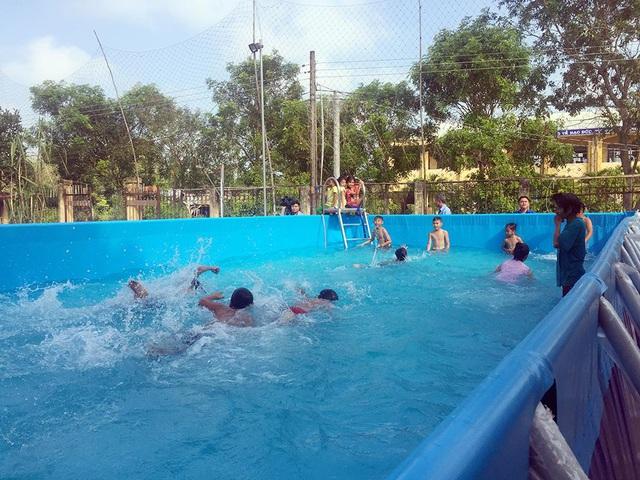 Trao tặng 5 bể bơi di động miễn phí của nhà sản xuất Hoàng Hải - Ảnh 4