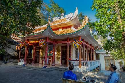 Vãn cảnh cầu an ở quần thể chùa nổi tiếng nhất Tây Ninh dịp Tết 2020  - Ảnh 3