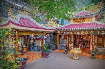 Vãn cảnh cầu an ở quần thể chùa nổi tiếng nhất Tây Ninh dịp Tết 2020  - Ảnh 5