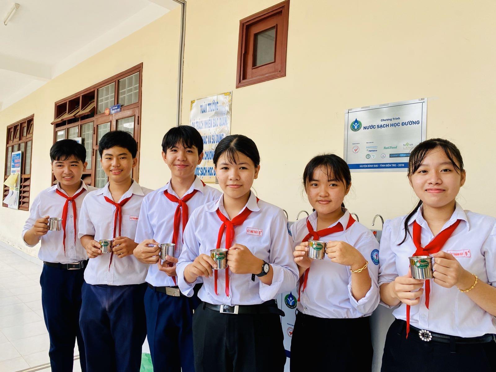 """Niềm vui """"Nước sạch học đường"""" trước thềm năm mới tại huyện Bình Đại, Bến Tre - Ảnh 2"""