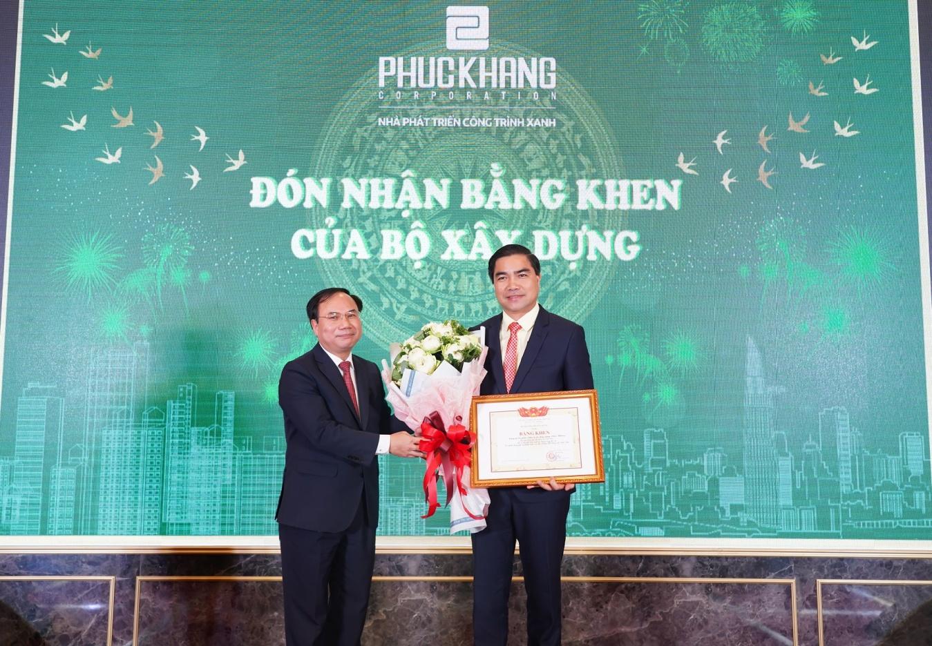 Gala chào xuân 2020: Hành trình 10 năm – Phúc Khang tặng căn hộ và sổ đỏ cho nhân viên trị giá 60 tỷ đồng - Ảnh 2