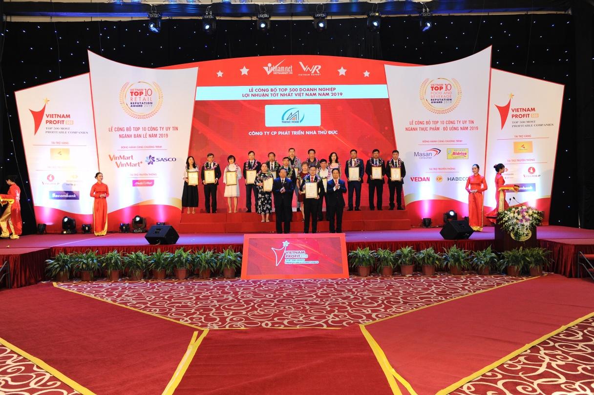 Thuduc House vinh dự nhận danh hiệu: Top 500 Doanh nghiệp lợi nhuận tốt nhất Việt Nam 2019 và Doanh nghiệp Phát triển Bền vững 2019 - Ảnh 1