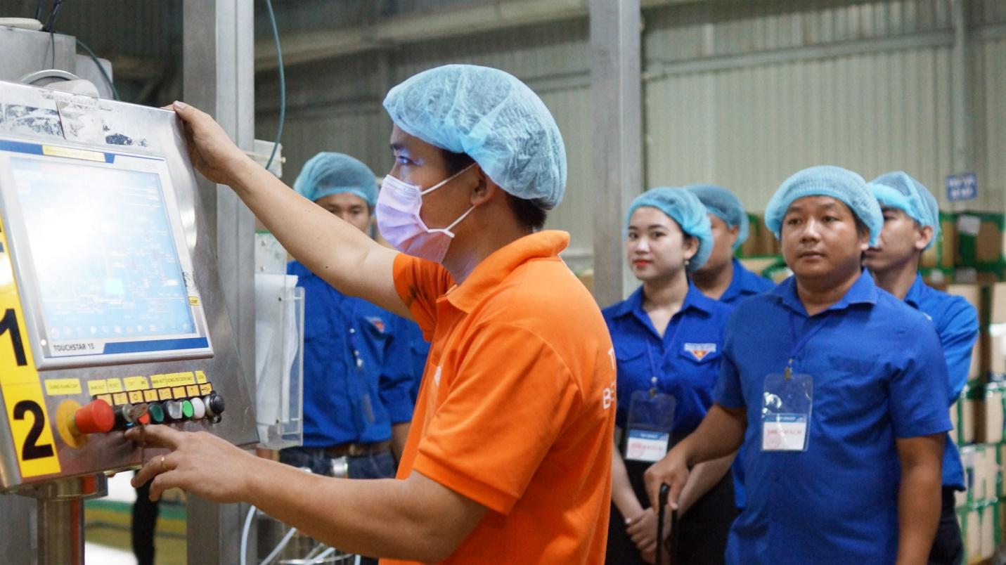 Đoàn đại biểu lớp tập huấn chuyển giao Khoa học công nghệ khu vực Đông Nam Bộ tham quan và giao lưu tại Tập đoàn Tân Hiệp Phát - Ảnh 3