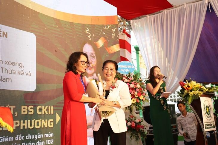 CTCP Bệnh viện YHCT Quân dân 102 khai trương thu hút hàng nghìn lượt đăng ký khám chữa bệnh - Ảnh 2