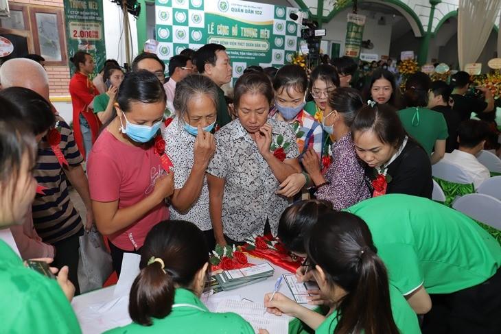 CTCP Bệnh viện YHCT Quân dân 102 khai trương thu hút hàng nghìn lượt đăng ký khám chữa bệnh - Ảnh 3