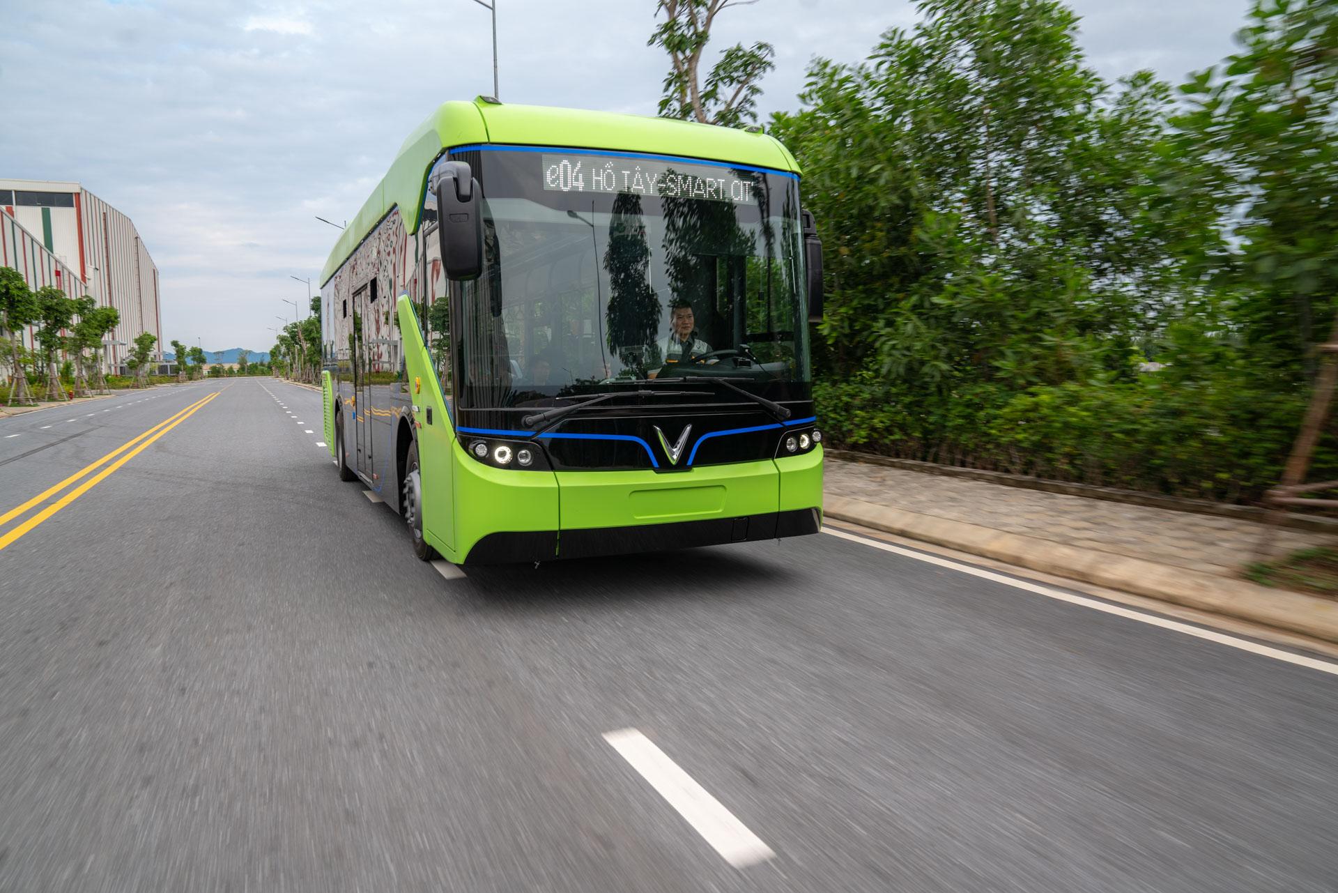 Vingroup chính thức chạy thử nghiệm xe buýt điện VinFast - Ảnh 3