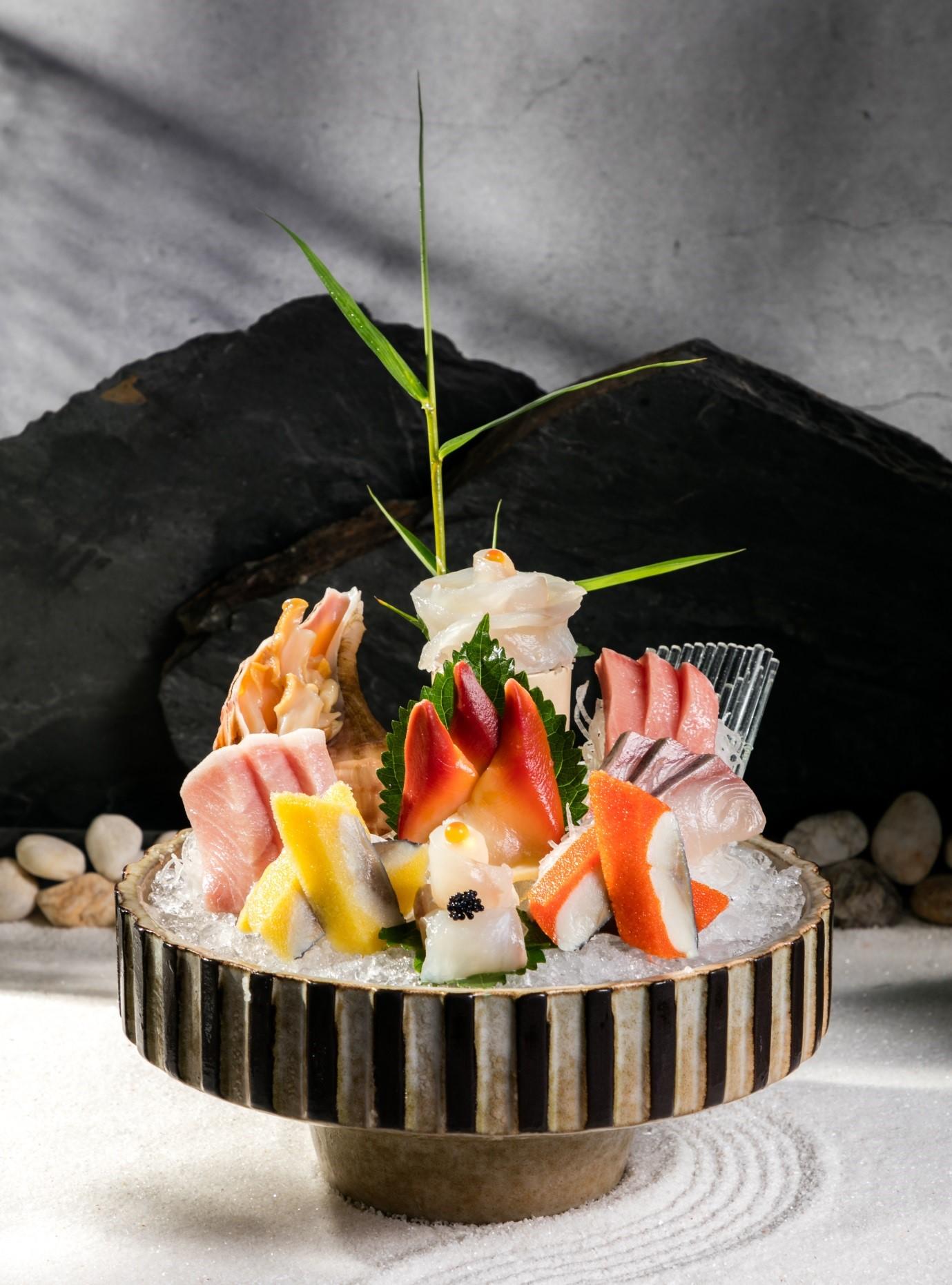 Không gian sang trọng, tinh tế tại Wabi Premium Japanese Restaurant  - Ảnh 8