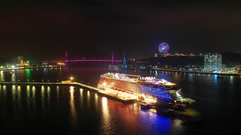 """""""Độc - lạ"""" như Cảng tàu khách hàng đầu châu Á bên vịnh Hạ Long  - Ảnh 13"""